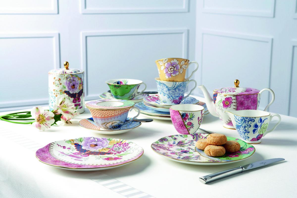 Что подарить на 8 Марта: бабочки, птицы и цветы в дизайне английского фарфора