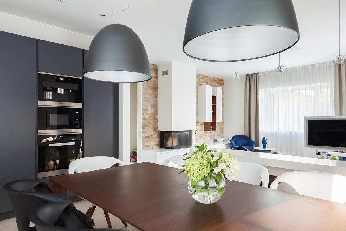 Стильный дом в Подмосковье: 240 метров лёгкости и чистоты