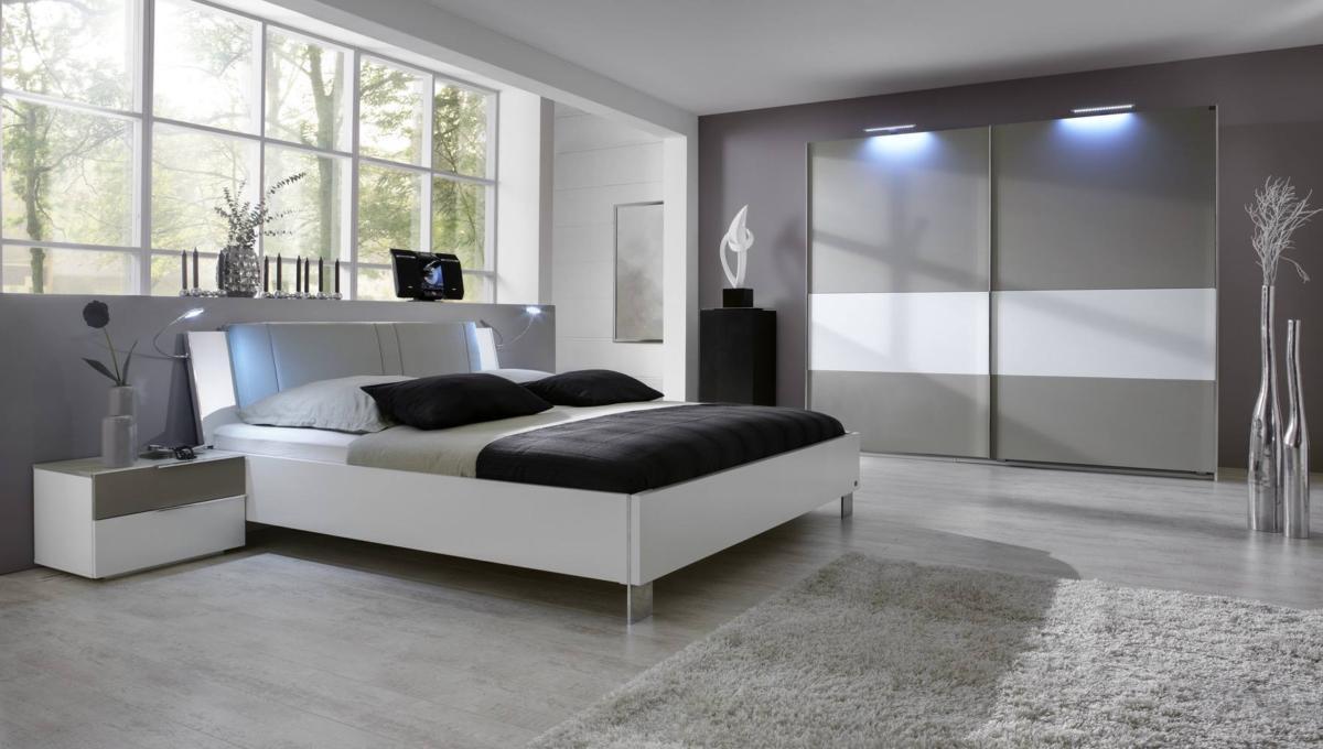 Спальня в  цветах:   Светло-серый, Серый, Сиреневый, Темно-зеленый, Темно-коричневый.  Спальня в  стиле:   Скандинавский.
