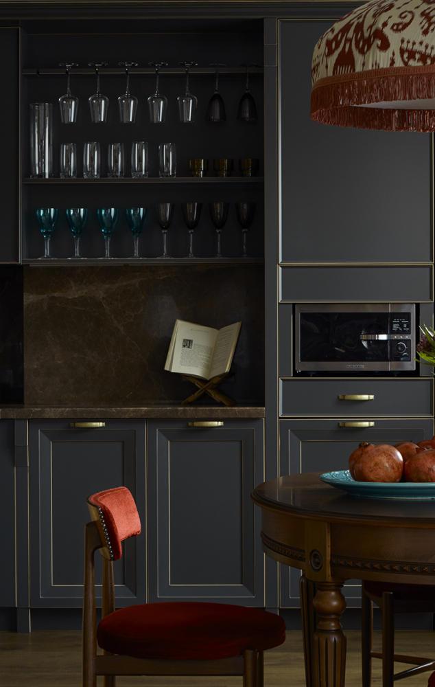 Кухня/столовая в  цветах:   Бежевый, Бирюзовый, Голубой, Оранжевый, Темно-коричневый.  Кухня/столовая в  стиле:   Минимализм.