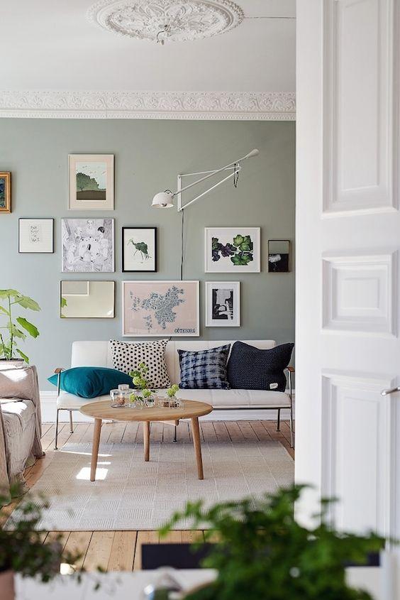 Гостиная в  цветах:   Бежевый, Коричневый, Светло-серый, Темно-зеленый.  Гостиная в  стиле:   Минимализм.