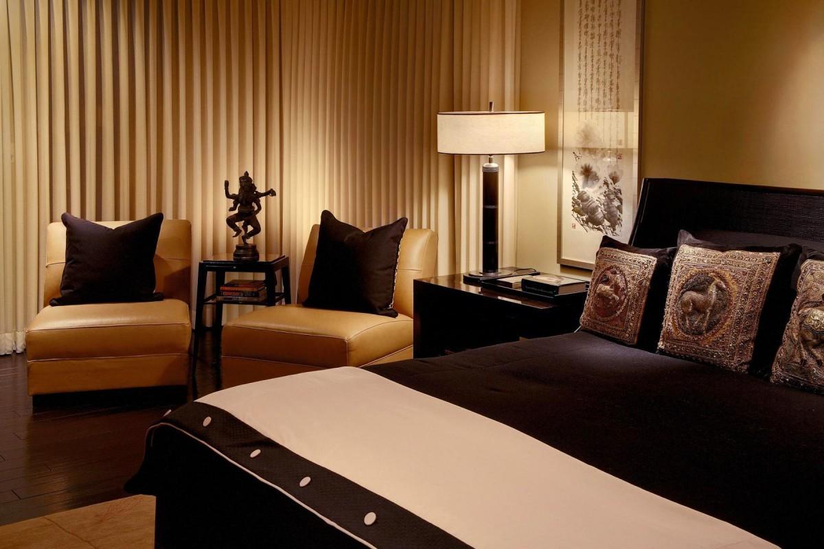 Спальня в  цветах:   Бежевый, Коричневый, Оранжевый, Темно-коричневый.  Спальня в  стиле:   Минимализм.