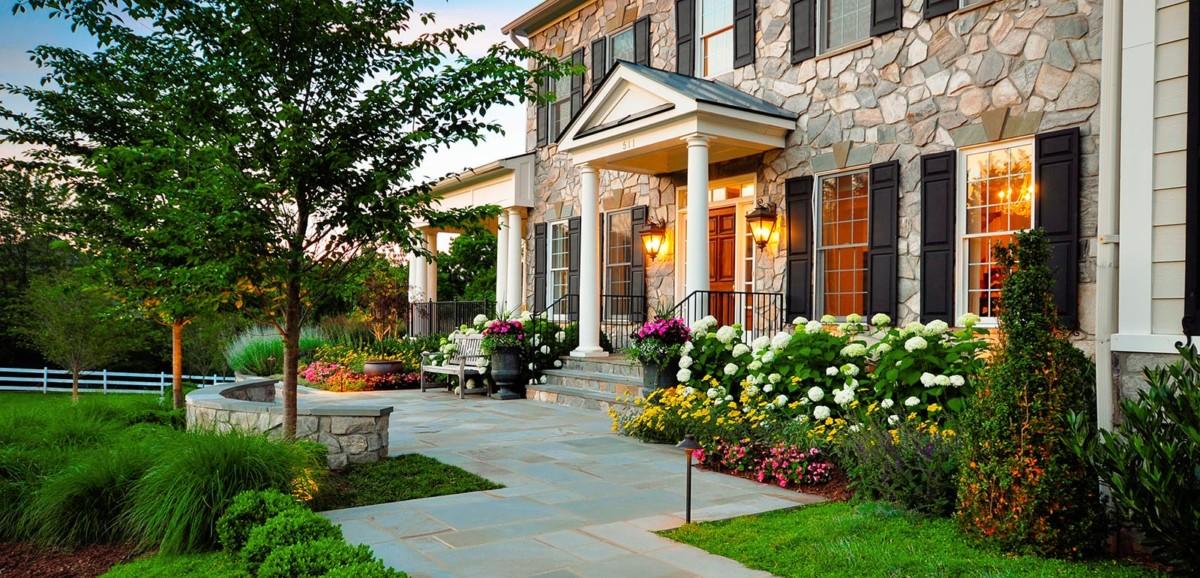 Двор частного дома: ландшафтный дизайн собственными силами. Часть 1