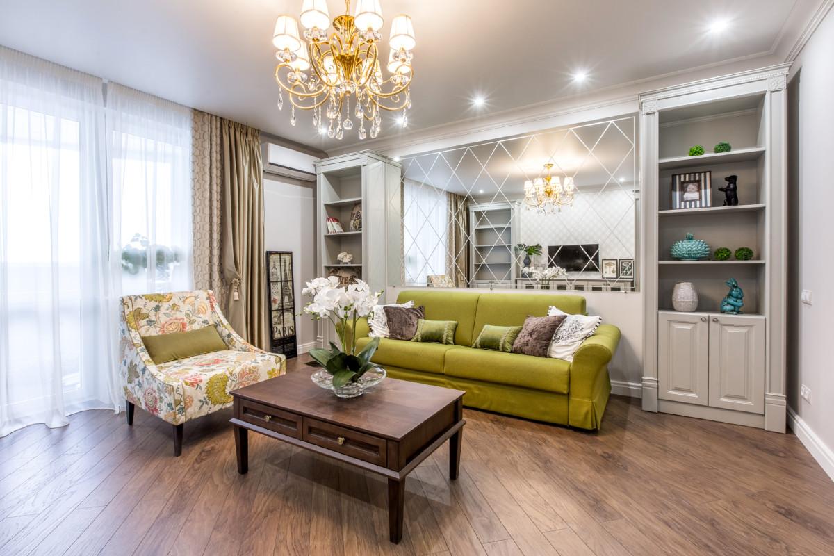 Интерьер трёхкомнатной квартиры с зелёными акцентами