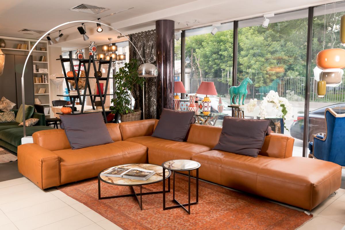 12 стильных диванов и кресел, которые преобразят ваш интерьер