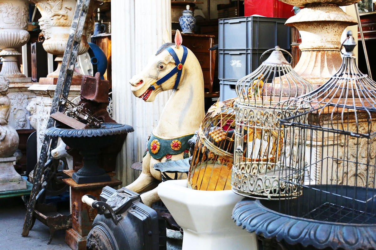 Блошиные рынки Парижа: где искать сокровища