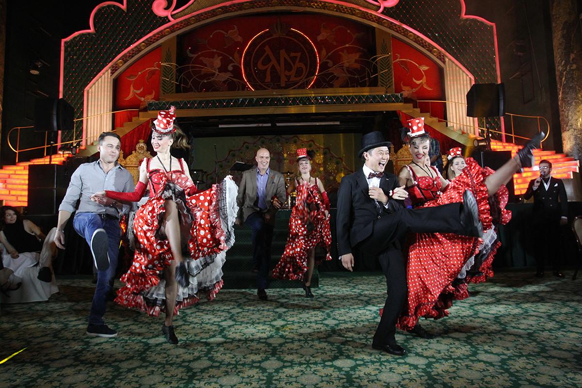 Кабаре, богема и Париж в центре Москвы — фотоотчёт с осенней вечеринки «Хогарт_арт»