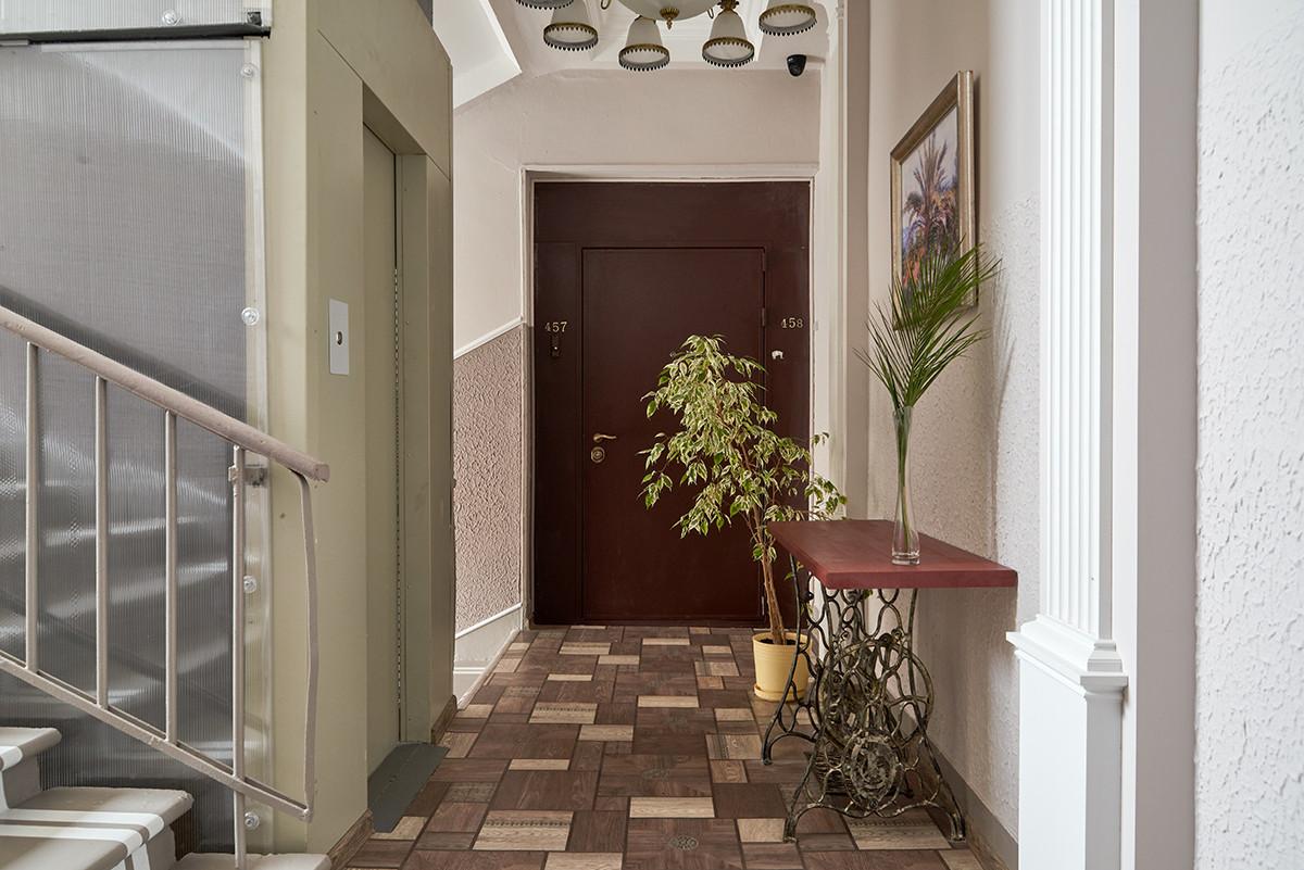 Когда в доме живёт дизайнер: косметический ремонт в подъезде