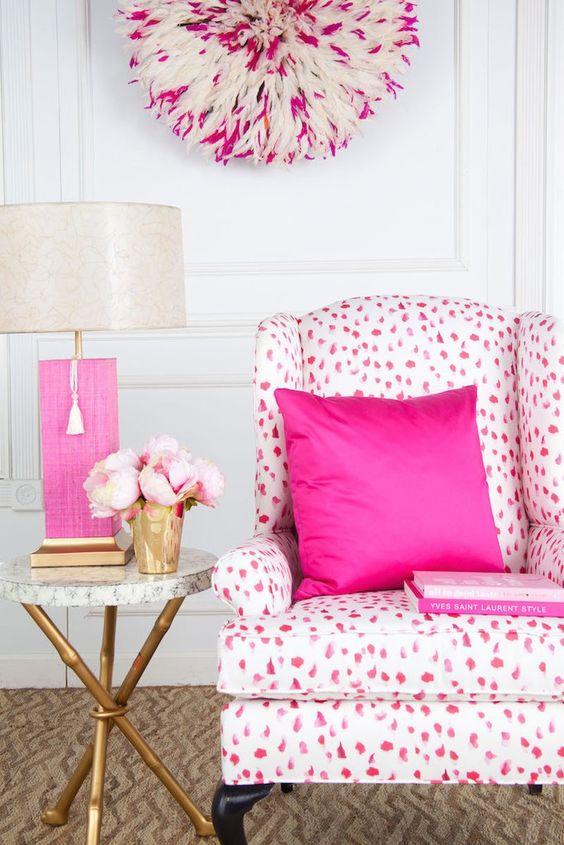 в  цветах:   Коричневый, Розовый, Светло-серый, Фиолетовый.  в  .