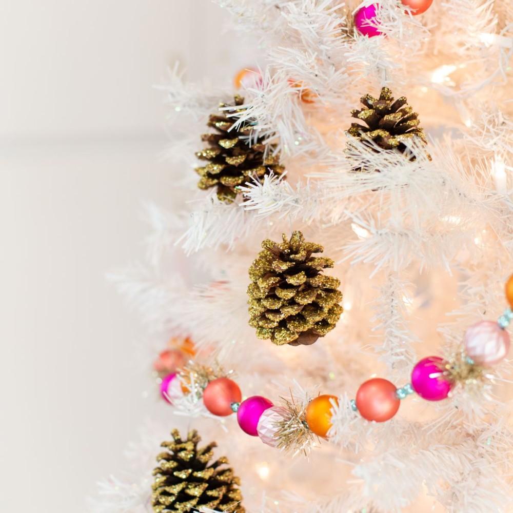 Новогодние поделки из еловых шишек своими руками: 25 простых идей