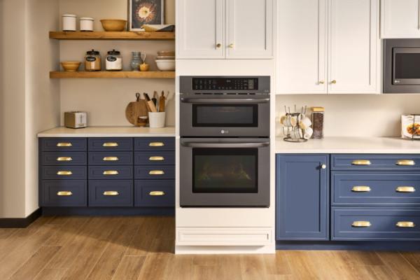 Кухня/столовая в  цветах:   Бежевый, Желтый, Коричневый, Фиолетовый.  Кухня/столовая в  стиле:   Кантри.