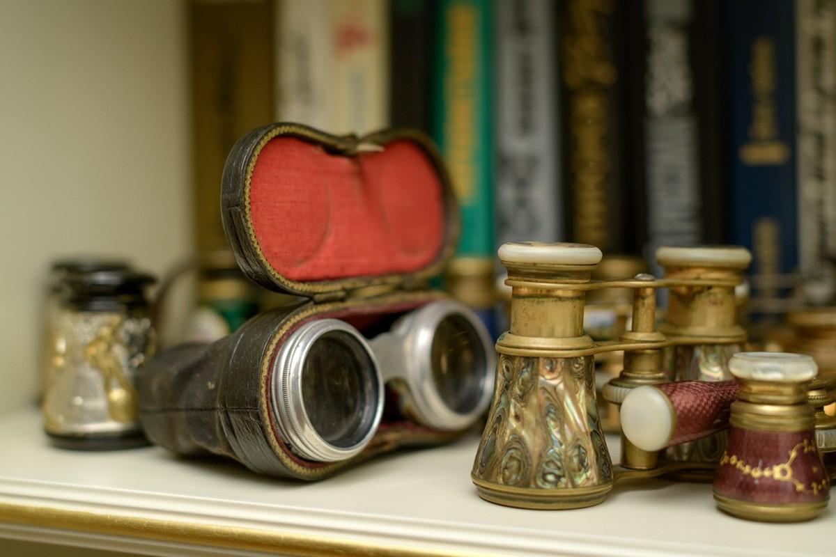 Нелли Кобзон покажет свою коллекцию предметов искусства