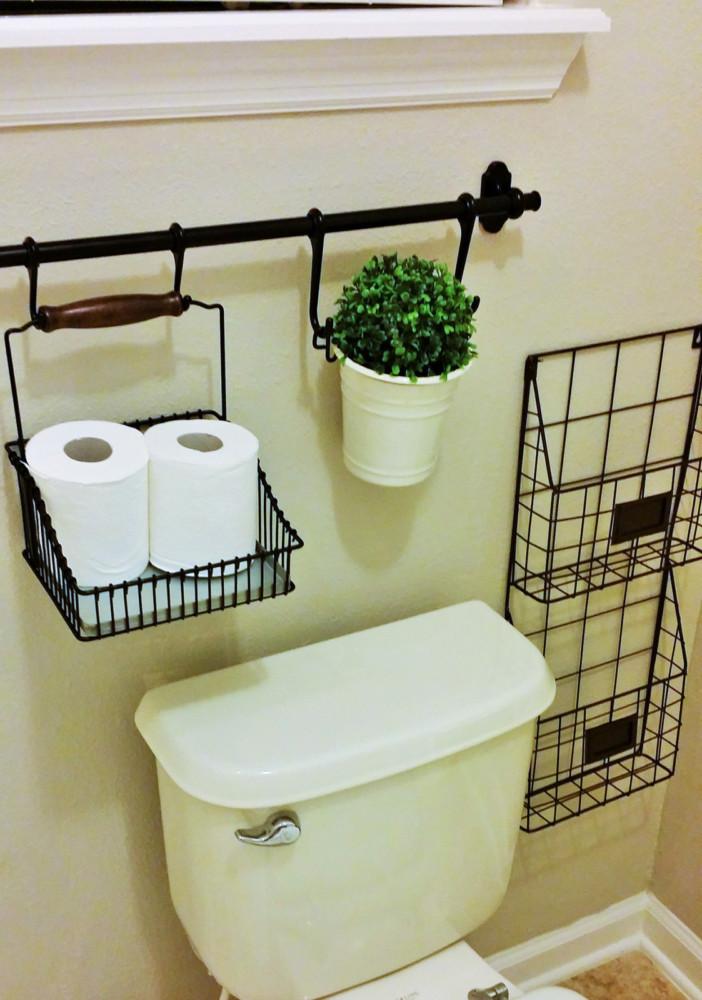 Способы хранения туалетной бумаги: 20 идей для интерьера санузла
