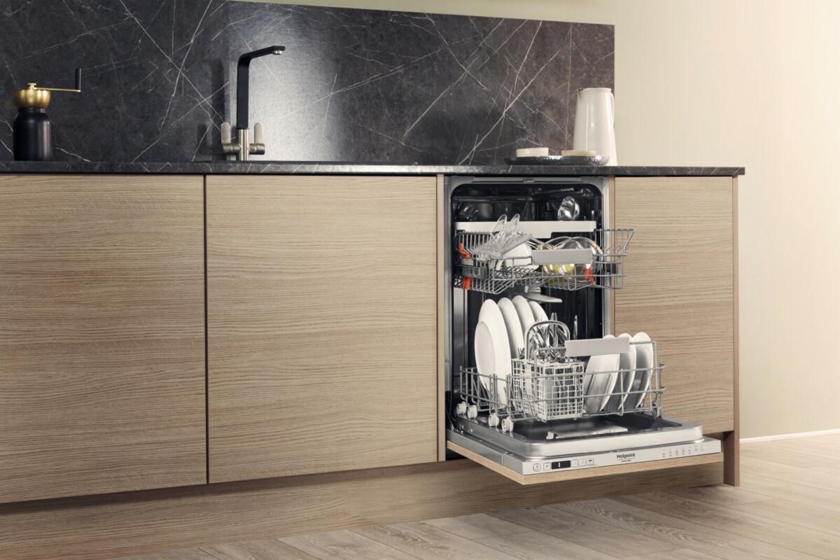 Компания Hotpoint представила новые модели посудомоечных машин с системой ActiveDry